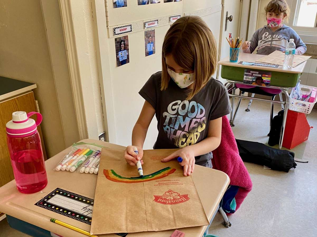 Elsmere Elementary School students decorate paper shopping bags with inspirational messagesStudents in grades K-5 at Elsmere Elementary School in Delmar have teamed up with the local Hannaford Supermarket to brighten the shopping experience of local customers. With brightly colored hearts and rainbows and student messages that include phrases like